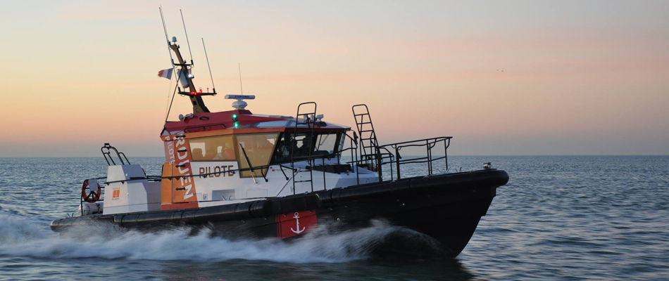 15m pilot boat in GRP with Volvo IPS